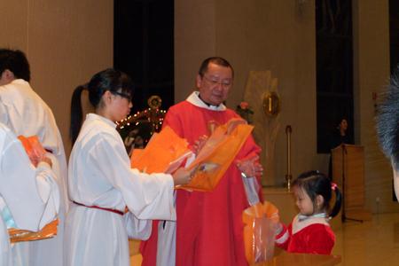天水圍聖堂孩子多謝您--靈火聖誕福包